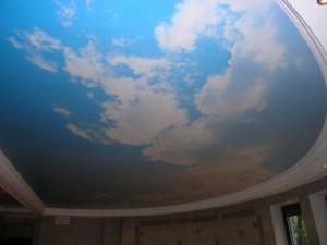 Натяжной потолок - облака