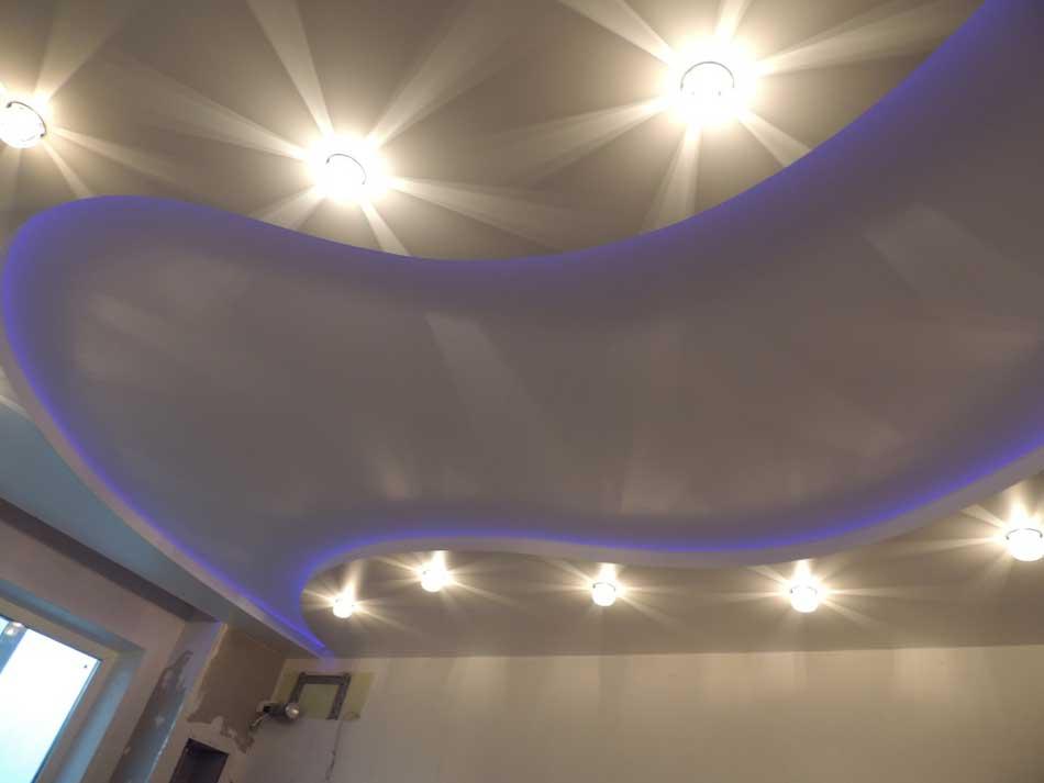 svetilniki-potolkov-v-interere (10)