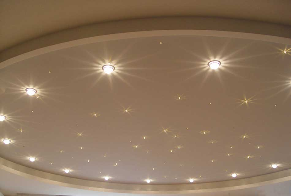 svetilniki-potolkov-v-interere (13)