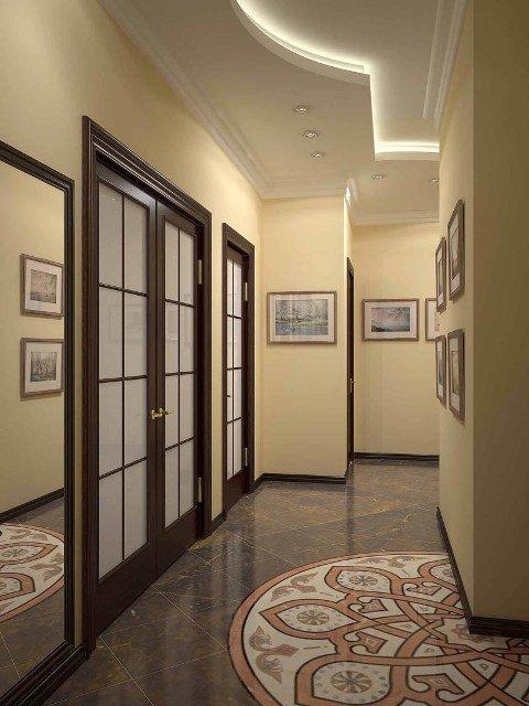 натяжной потолок в коридоре