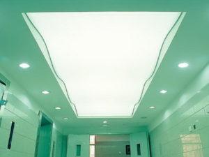 Светящийся вид натяжного потолока