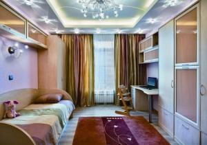 Натяжные потолки в квартире — фотогалерея