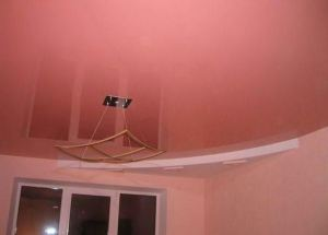 срок службы натяжного потолка