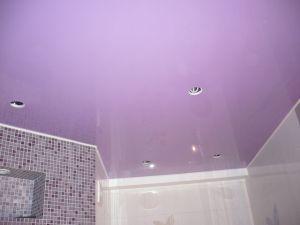 сиреневый натяжной потолок