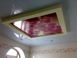 отличие натяжного от подвесного потолка
