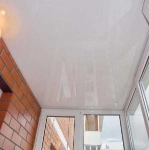 натяжной потолок на балконе-отзыв