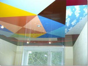 Цветные натяжные потолки — обзор